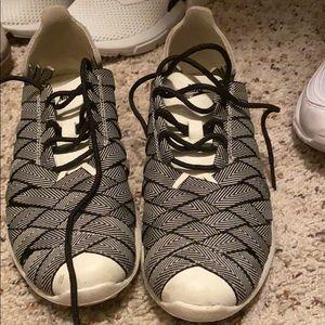 Nike finger trap roshe runs